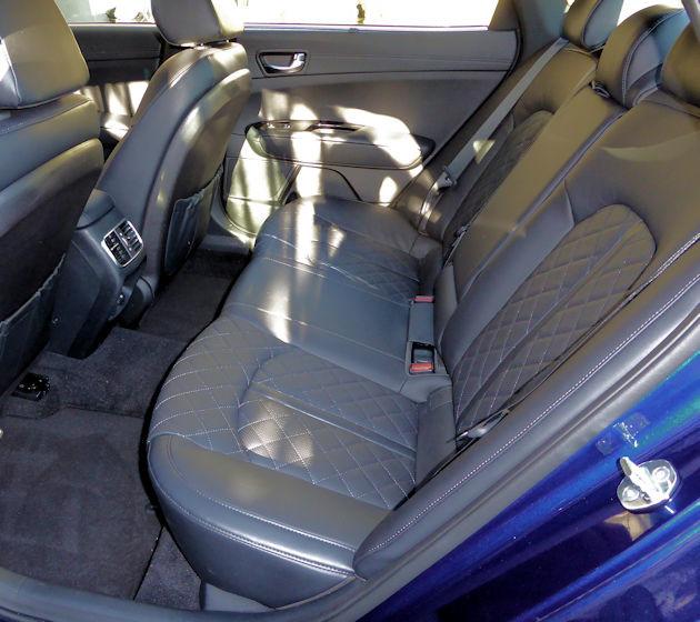 2016 Kia Optima rear seat