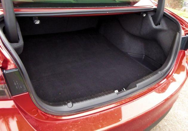 2016 Mazda6i trunk