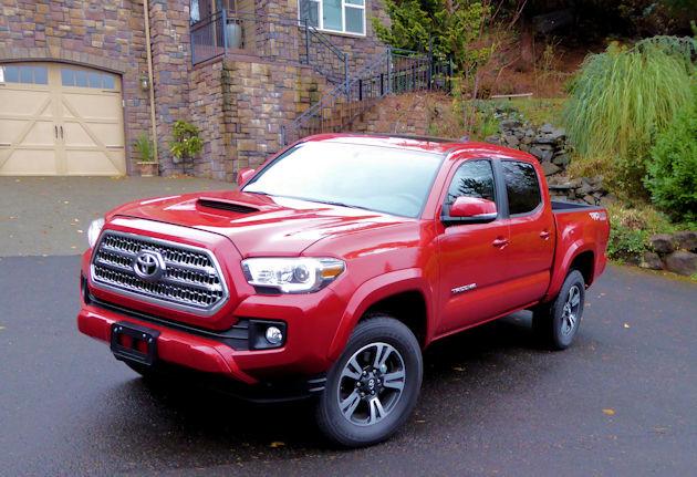 2016 Toyota Tacoma front