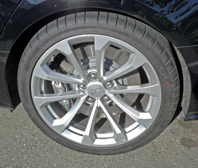 Cadillac-CTS-V-Whl
