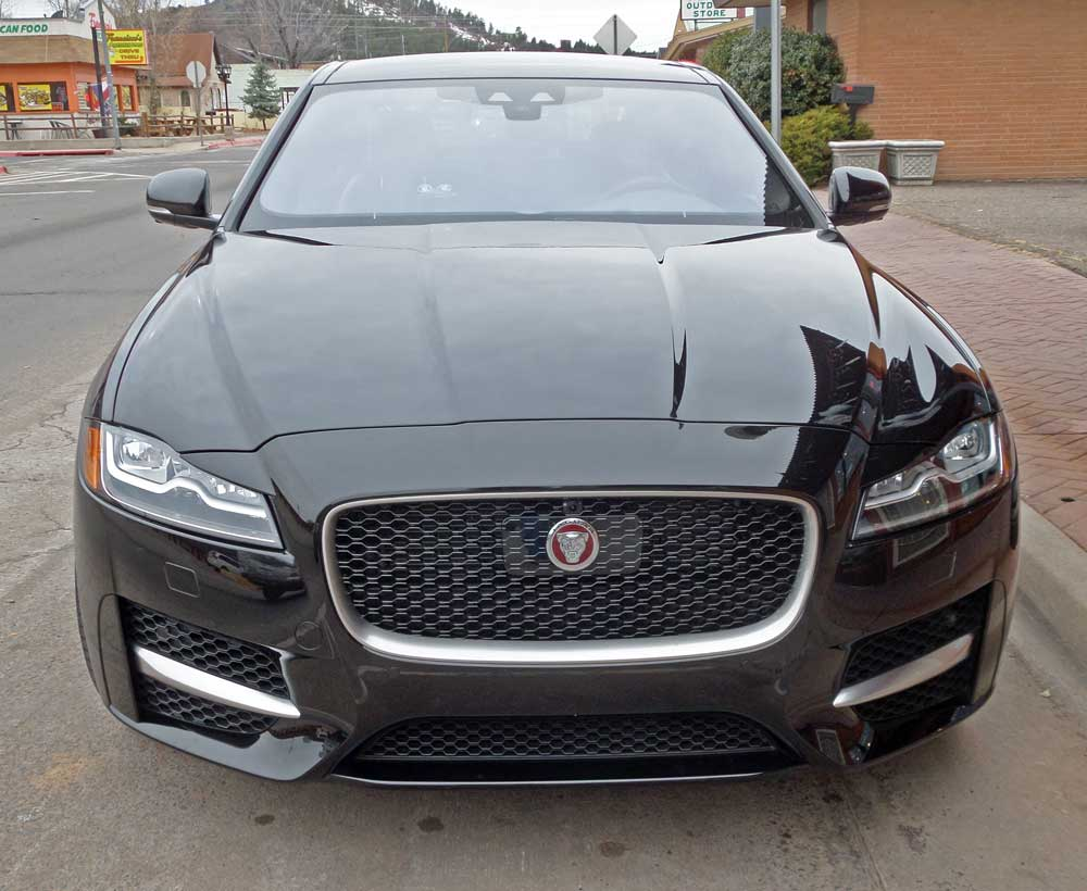 2016 jaguar xf 35t and xf s test drive our auto expert. Black Bedroom Furniture Sets. Home Design Ideas