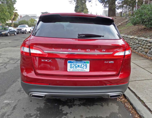 Lincoln-MKX-Tail