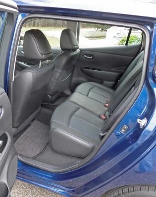 Nissan-Leaf-RInt