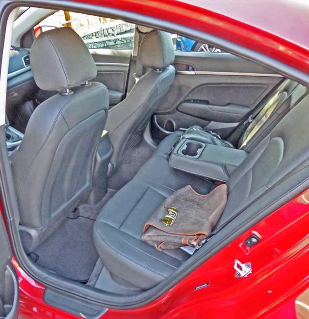 Hyundai-Elantra-RInt