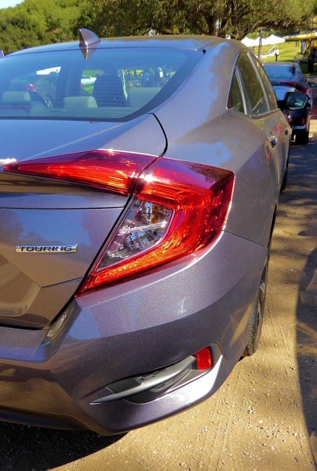 2016 Honda Civic taillight