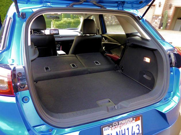2016 Mazda CX-3 cargo
