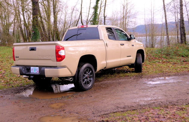 2016 toyota tundra our auto expert. Black Bedroom Furniture Sets. Home Design Ideas