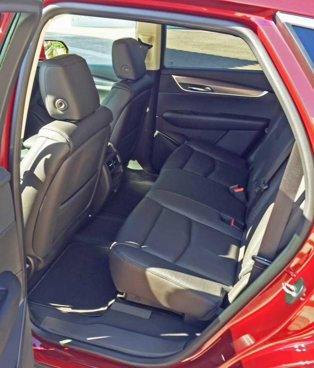 Cadillac-XT5-RInt