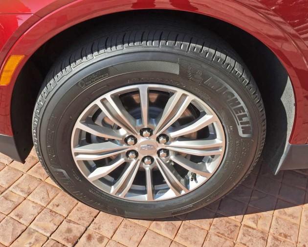 Cadillac-XT5-Whl