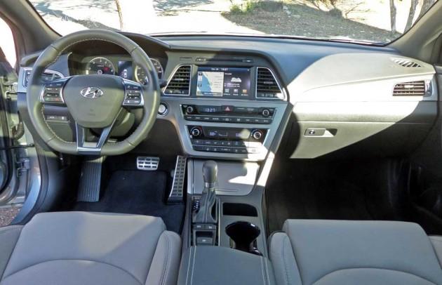Hyundai-Sonata-Sport-Dsh