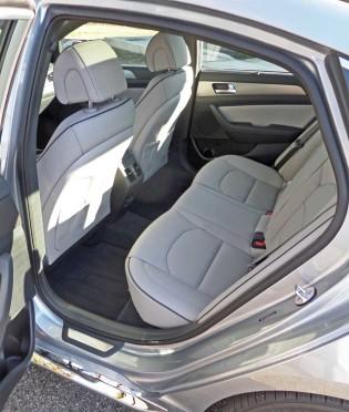 Hyundai-Sonata-Sport-RInt