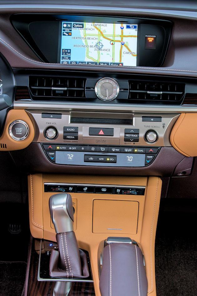 2016 Lexus ES 350 center stack