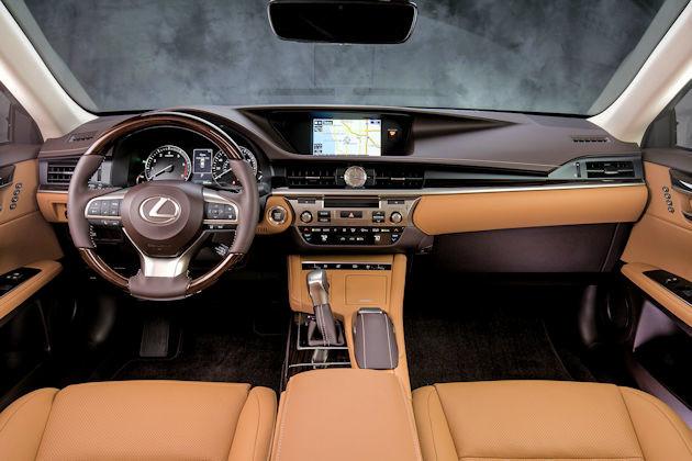 2016 Lexus ES 350 dash