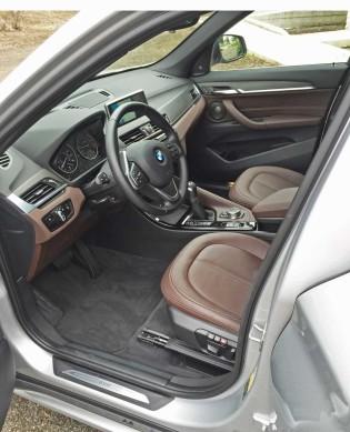 BMW-X1-28i-Int