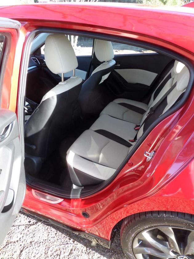 Mazda3-s-GT-RInt