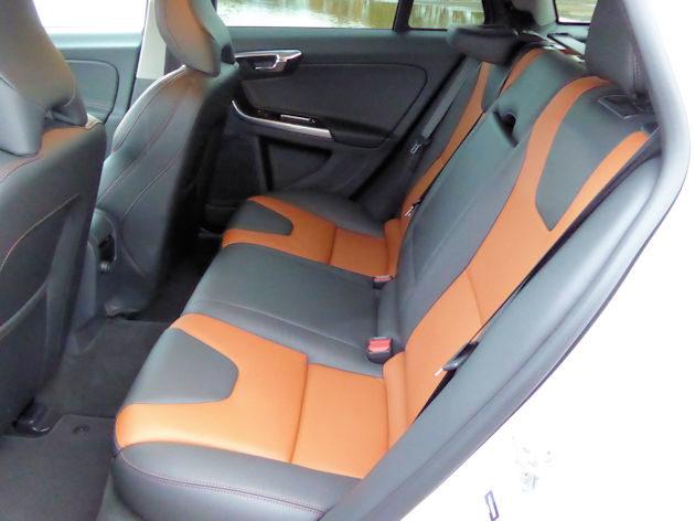 2016 Volvo V60 front q2