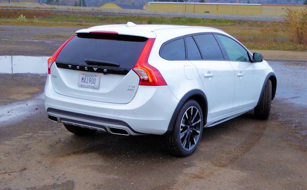 2016 Volvo V60 rear q