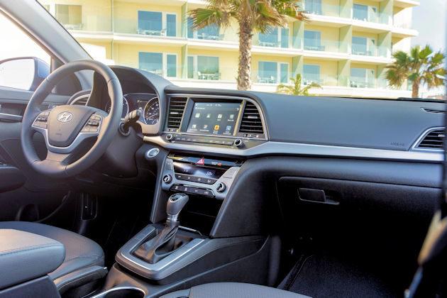 2017 Hyundai Elanta dash