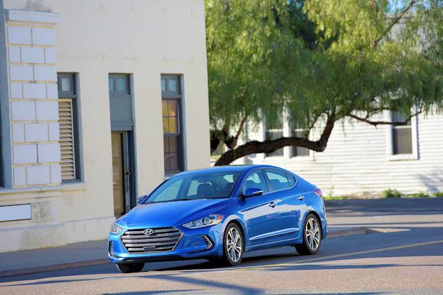 2017 Hyundai Elanta front q2