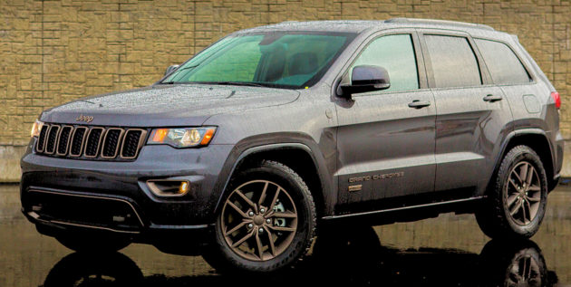 2860 Jeep Grand Cherokee 75th still