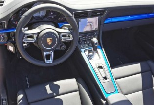 Porsche-911-Carrera-Dsh