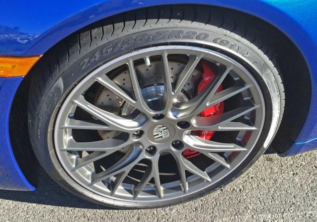 Porsche-911-Carrera-S-Cab-Whl