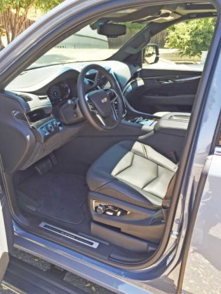 Cadillac-Escalade-Plat-Int