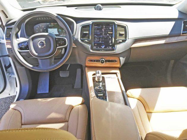 Volvo-XC90-T8-Hybrid-Dsh