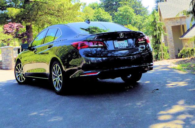 2016 Acura TLX rear 2