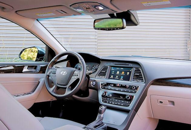 2016 Hyundai Sonata Plug-in dash