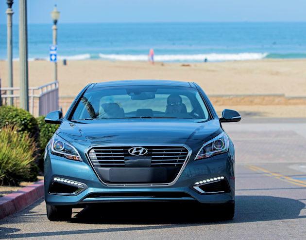 2016 Hyundai Sonata Plug-in front