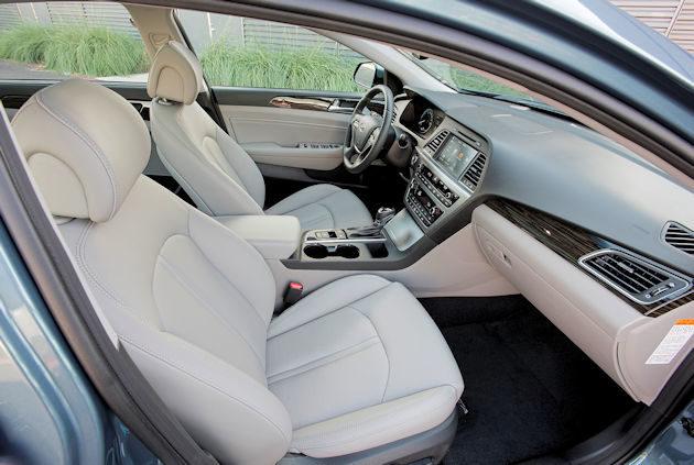 2016 Hyundai Sonata Plug-in interior