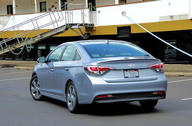 2016 Hyundai Sonata Plug-in rear