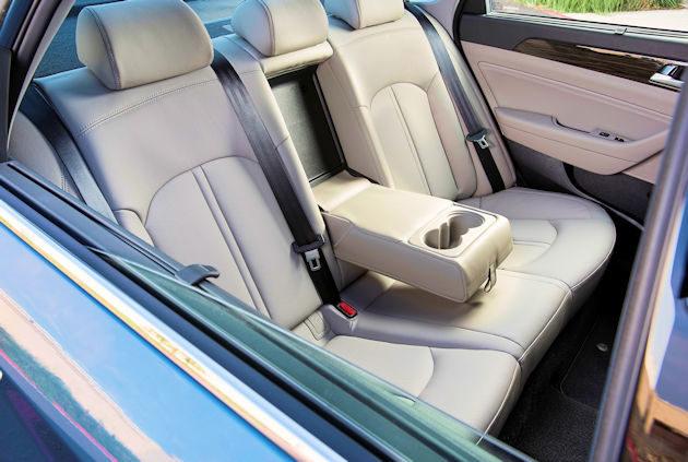 2016 Hyundai Sonata Plug-in rear seat