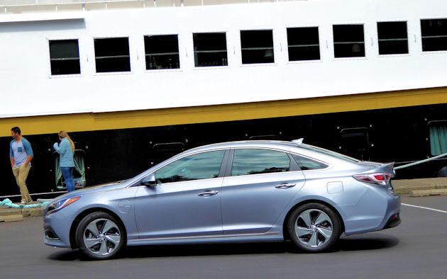 2016 Hyundai Sonata Plug-in side 2