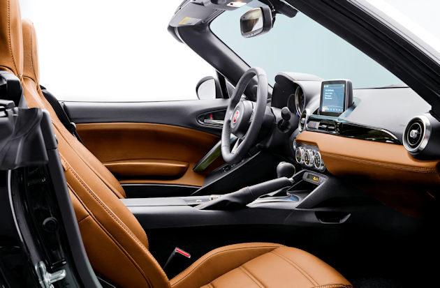 2017 Fiat Spider interior 2