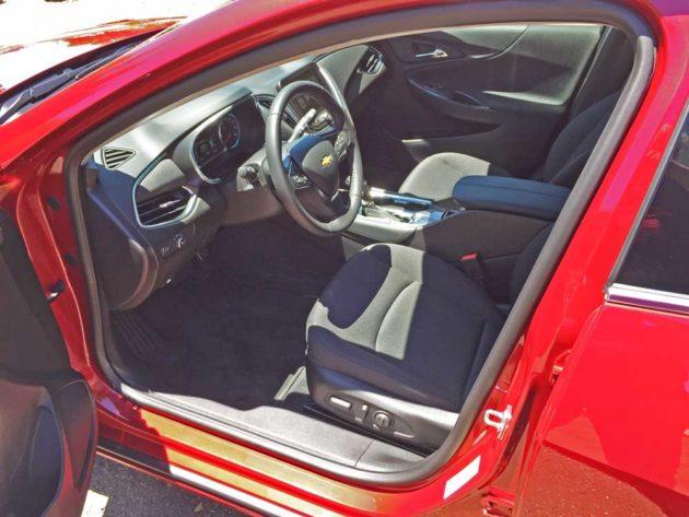 Chevy-Malibu-Hybrid-Int