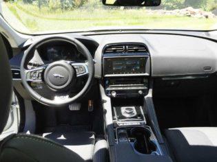 Jaguar-F-Pace-Dsh
