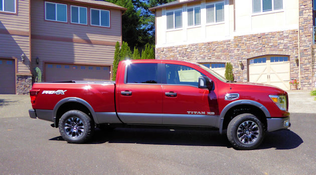 2016 Nissan Titan XD side