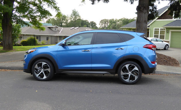 2017 Hyundai Tucson side