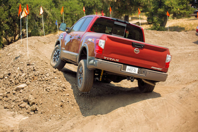 2017 Nissan Titan rear-off road