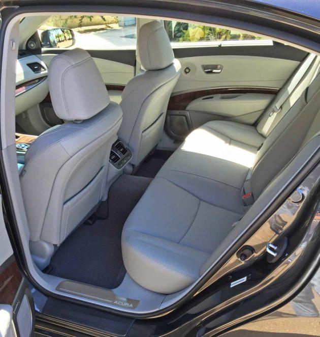 Acura-RLX-Sport-Hybrid-RInt