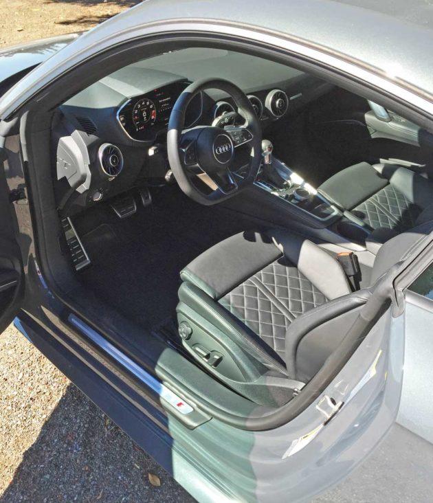 Audi-TTS-Coupe-Int