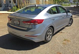 Hyundai-Elantra-ECO-RSR