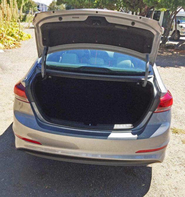 Hyundai-Elantra-ECO-Trnk