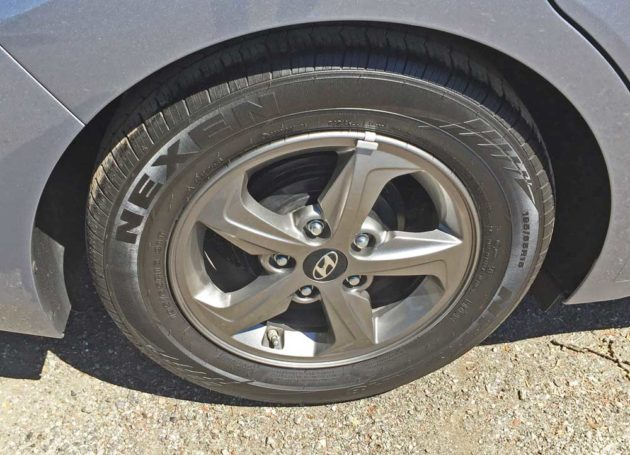 Hyundai-Elantra-ECO-Whl