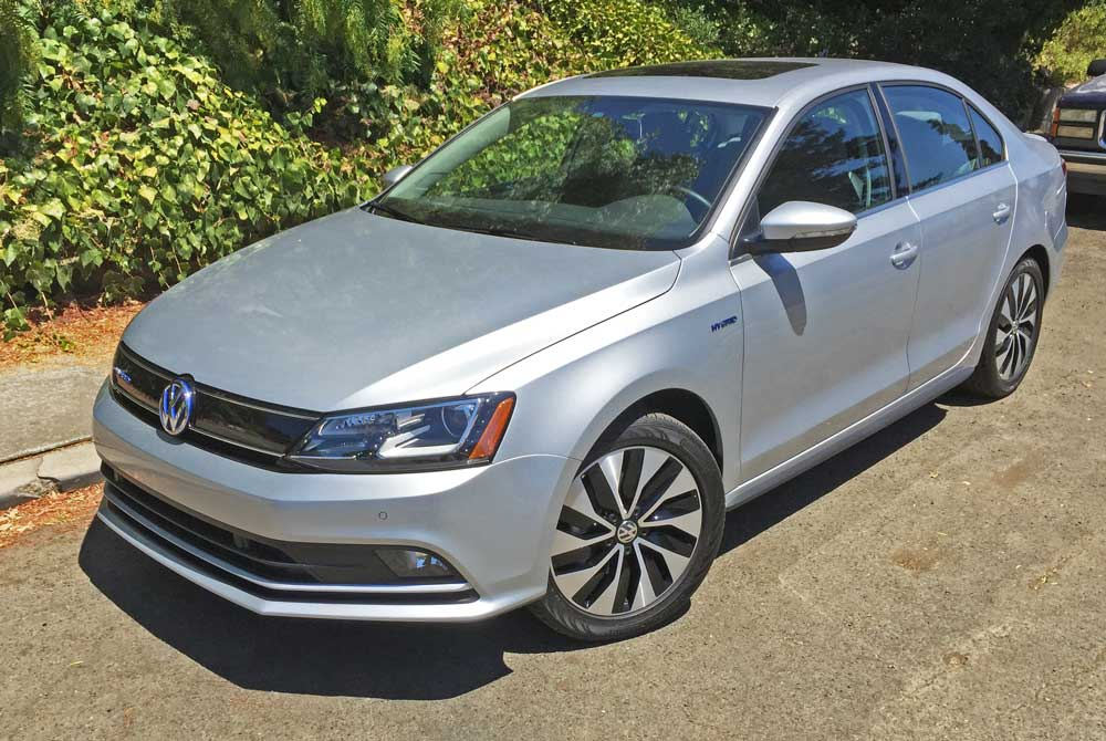 2016 volkswagen jetta hybrid sel premium test drive our auto expert. Black Bedroom Furniture Sets. Home Design Ideas