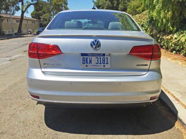 VW-Jetta-Hybrid-Tail