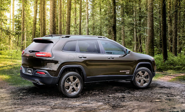 2016-jeep-cherokee-rear-q
