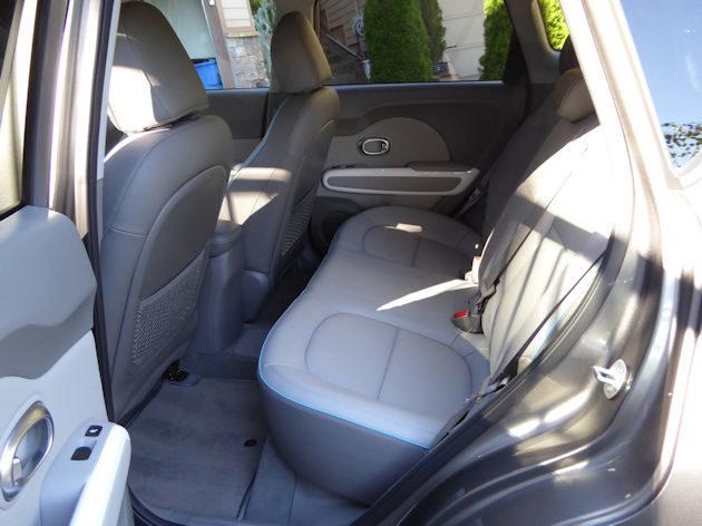2016-kia-soul-ev-rear-seat